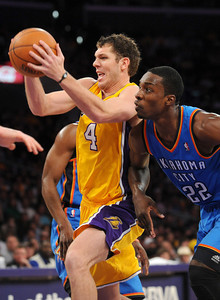 DS18-LAKERS-4AH