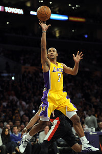 DS24-LAKERS-BLAZERS-MB