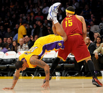 DS12-LAKERS-12AH
