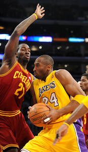 DS12-LAKERS-16AH