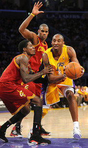 DS12-LAKERS-1AH