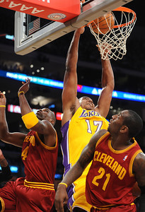 DS12-LAKERS-15AH