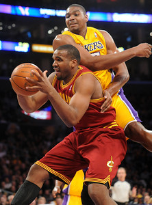 DS12-LAKERS-3AH