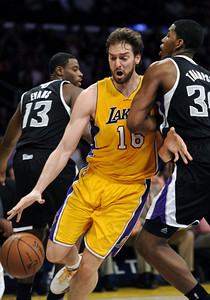DS03-LAKERS-KINGS-MB DN02-DENNIS-TUCKMANMB