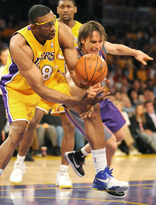 DS18-LAKERS-11AH