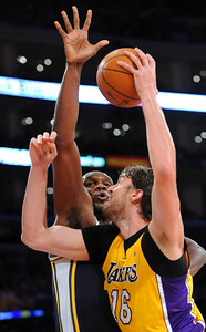 DS28-LAKERS-7AH