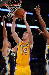 DS28-LAKERS-2AH
