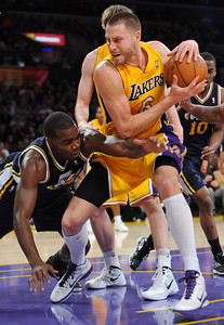 DS28-LAKERS-5AH