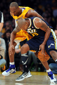 DS28-LAKERS-11AH