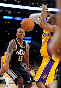 DS28-LAKERS-8AH