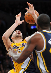 DS28-LAKERS-6AH