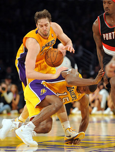 DS21-LAKERS-8AH