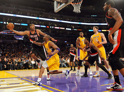 DS21-LAKERS-14AH
