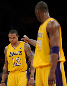 Shannon Brown takes instructions from Kobe Bryant in the fist half. The Lakers played host to the Dallas Mavericks in game 2 of the playoffs. Los Angeles, CA 5-4-2011. (John McCoy/staff photographer)