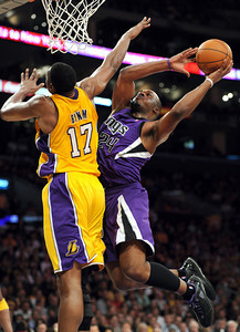 DS29-LAKERS-KINGS-MB