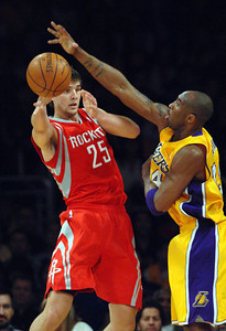 DS07-LAKERS-ROCKETS-MB