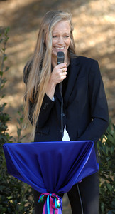Suzy Cameron welcomes families and guests. Suzy Amis Cameron and Zev Yaroslavsky, LA County Supervisor,  cut the ribbon on the brand new MUSE School in Calabasas Highlands, Monday, November 11, 2011.   (Dean Musgrove/Staff Photographer)