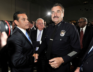 Mayor Antonio Villaraigosa shakes hands with LAPD Cheif Charlie Beck after his State of the City Address at Thomas Jefferson High School in Los Angeles, CA 4-13-2011. (John McCoy/staff photographer)