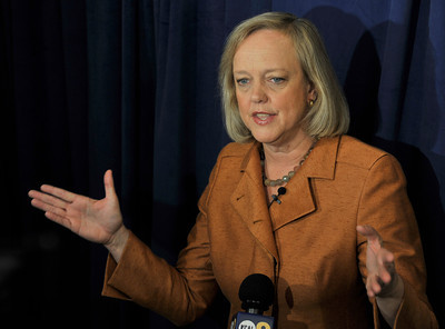 Meg Whitman made a campaign stop at Portos Bakery in Glendale, CA.10-29-2010. (John McCoy/staff photographer)