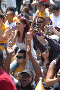 Hundreds of thousands lined Figueroa Street between Staples Center and USC to cheer for the Lakers during their NBA Championship Victory Parade. Los Angeles CA 06/21/2010 (John McCoy/Staff Photographer)