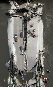 APTOPIX Bridge Collapse