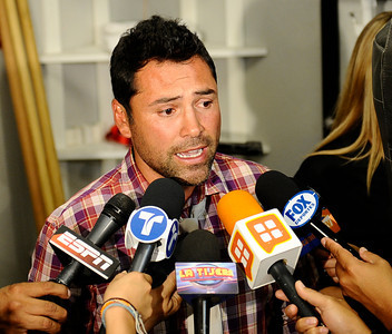 Former profesional boxer and promoter Oscar De La Hoya makes his first public appearance after being in rehab for several months at the Canelo Alvarez  media work out  today in Big Bear Lake CA. Oscar De La Hoya has fully recovered from his substance abuse and is back to promote boxing with his company Golden Boy Productions  that has two big fights coming up in Los Angeles and Las Vegas on September 17th. Big Bear Lake, CA. Aug 23, 2011.photo by Gene Blevins/LA DAILY NEWS