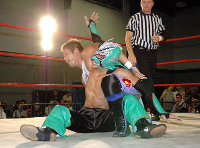 """during their match at the second night of Pro Wrestling Guerrilla's """"Battle of Los Angeles"""" at the National Guard Armory  in Burbank, California on Saturday Sept.  1, 2007. (Shane Michael Kidder / Staff)"""