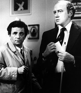 """Peter Falk, best known as the trench-coat-donning detective in """"Columbo,"""" has died at 83. Nicol Williamson is at right in this 2000 photo."""