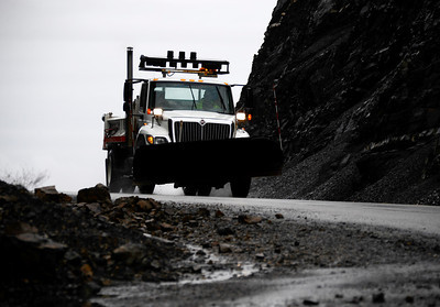 Multiple rockslide near County Line Beach has forced closure of state Route 1 at the western end of Malibu, California Highway Patrol officers said today.  Caltrans officials ordered PCH closed between Yerba Buena and Las Posas roads at 8:10 p.m. Sunday, when the rockslide was first reported.  Caltrans geologists were being brought in to check cliffs above the highway near Point Mugu to ensure they are stable, before any decision would be made about reopening it. Malibu CA.  Dec 20,2010.  photo by Gene Blevins/LA Daily News