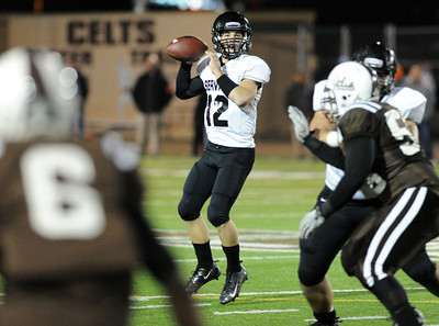 Servite at Crespi in Southern Section Pac-5 Division football quarterfinals Friday, November 26, 2010. (Hans Gutknecht/Staff Photographer)