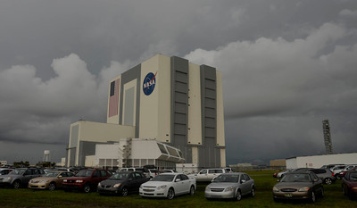 Storm clouds pass over KSC that could delay the launch with zero days left for last space shuttle launch of Atlantis that is set for July 8th at Kennedy Space Center. FL. July 7,2011. Photo by Gene Blevins/LA Daily News