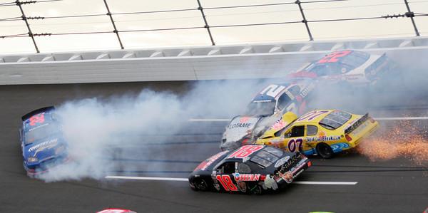 APTOPIX NASCAR Auto Racing