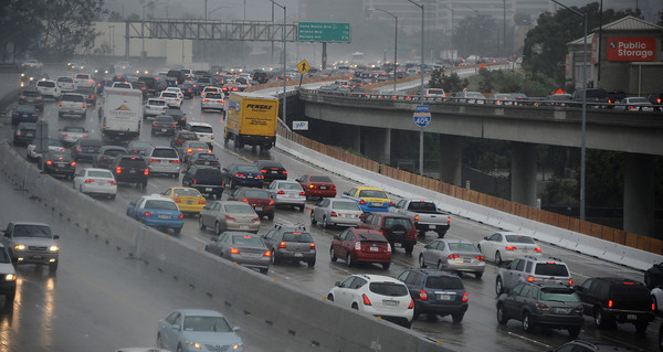 Traffic jammed up on the north bound 405 freeway during the heavy rain storm that came through the valley that caused major flooding and blown down trees. Westwood. March 20,2011. Photo by Gene Blevins/LA Daily News