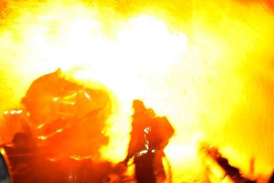 DN09-TANKER-FIRE-GB