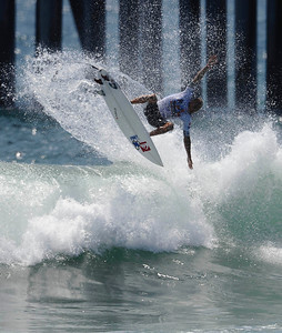 Ten time surf champion Kelly Slater takes his 2nd win at the 2011 US Open of Surfing event at Huntington Beach   CA. Aug 7,2011 photo by Gene Blevins/LA DAILY NEWS