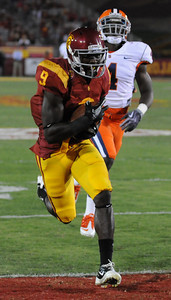 Southern California wide receiver Marqise Lee (9) scores in the 3rd quarter. The USC Trojans defeated the Orangemen of Syracuse 38 to 17 in a game played at the Coliseum in Los Angeles, CA. 9-17-2011. (John McCoy/Staff Photographer)