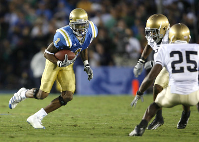UCLA's  Brandon Breazell looks for some running room during the first half on Saturday, Oct. 6, 2007 against Notre Dame. (Edna T. Simpson)