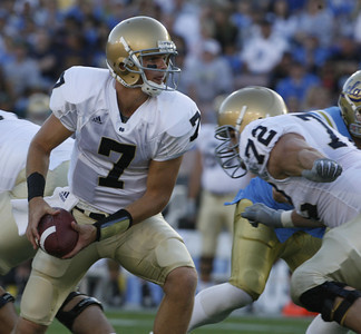 Notre Dame QB,  Jimmy Clausen looks to pass the ball during the first half on Saturday, Oct. 6, 2007 against UCLA. (Edna T.  Simpson)