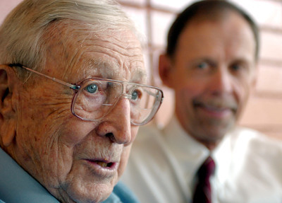UCLA Coach John Wooden and author Steve Jamison at VIPS Restaurant in Encino, Ca., on Friday, May 25, 2007. (Daily News File Photo)