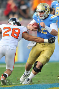 The Bruins of UCLA defeated the Oregon State Beavers in a game played in the Rose Bowl 17-14 on a last second fieldgoal by Kai Forbath. Pasadena, CA.11-6-2010. (John McCoy/staff photographer)