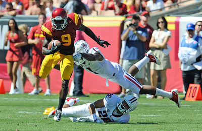 USC's Marqise Lee #9 heads up field  during their PAC 12 conference game agains Arizona at the Los Angeles Memorial Coliseum in Los Angeles, CA Saturday October 1, 2011. USC beat Arizona 48-41 (Hans Gutknecht/Staff Photographer)