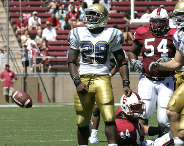 Ucla Chris Markey celebrates after making yardage durng the first half of the victory game on Saturday, September 1st, 2007 at Stanford Stadium. Ucla won 45-17 (Edna T. Simpson)