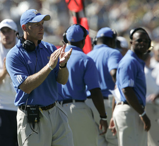 Ucla coach Bob Connelly reacts during the game on Saturday, September 1st, 2007 against Stanford. (Edna T. Simpson)