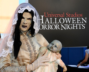 """arrives during the Universal Studios Hollywood  """"Halloween Horror Night"""" with the Eyegore Awards, honoring individuals who brought their most indelible and terrifying moments in the field of horror to life in movies. Sept 24,2010. Photo by Gene Blevins/LA Daily news"""
