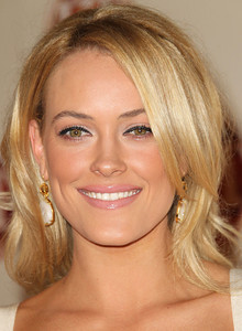 Peta Murgatroyd wears Isharya Libra earrings with citrine and golden rutile glass at the Entertainment Tonight Emmy Party at Vibiana in Los Angeles on September 18, 2011.
