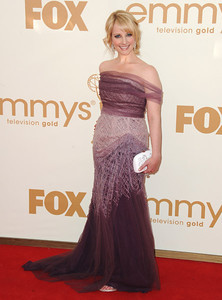 Actress Melissa Rauch wears Diamond in the Rough 18K white gold Champagne Bubbles earrings with diamonds and micro pave diamond accents to the Primetime Emmy Awards at the Nokia Theatre on Sept. 18, 2011.