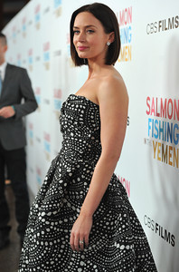 140246983AR015_Premiere_Of_