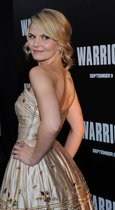 "Actress Jennifer Morrison wears Le Vian 14K gold diamond earrings and a Le Vian 14K rose gold diamond flower ring to the  premiere of her film ""Warrior"" at ArcLight Cinemas in Hollywood on Sept. 6, 2011."