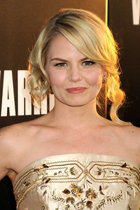 "Actress Jennifer Morrison wears Le Vian 14K gold diamond earrings to the  premiere of her film ""Warrior"" at ArcLight Cinemas in Hollywood on Sept. 6, 2011."