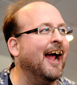 Emmy Award winning special effects artist Todd Masters, founder of MASTERSFX, shows how easy a stick of gum and walnuts can transform into set of bad teeth during the worldÕs first ÒAliens to ZombiesÓ Convention, a two day-long look at monsters and the post-apocalyptic world.    The event, open to the public, takes place on October 21-22, at HollywoodÕs legendary, ÒhauntedÓ Roosevelt Hotel.  A highlight of the event will be the revival of MastersÕ infamous ÒMonster-Makers BashÓ costume party, which annually attracts the industryÕs top special effects artists. Hollywood CA. Photo by Gene Blevins/LA DailyNews